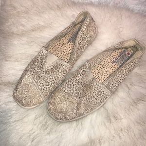 11M Bobs crochet flat loafers. Memory foam